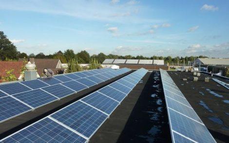 besparing zonnepanelen dak
