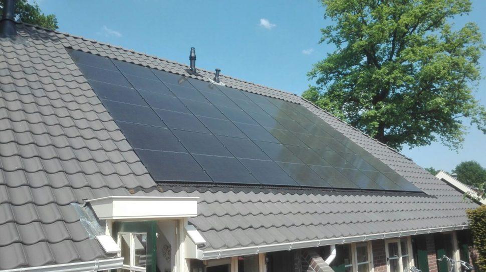 Hybride en 24 zonnepanelen indak in Zelhem