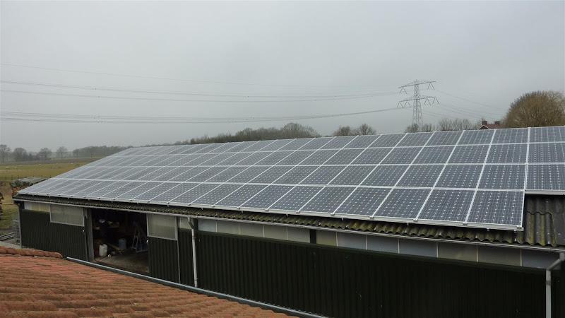 Zonnepanelen op boerderij in Leveroy