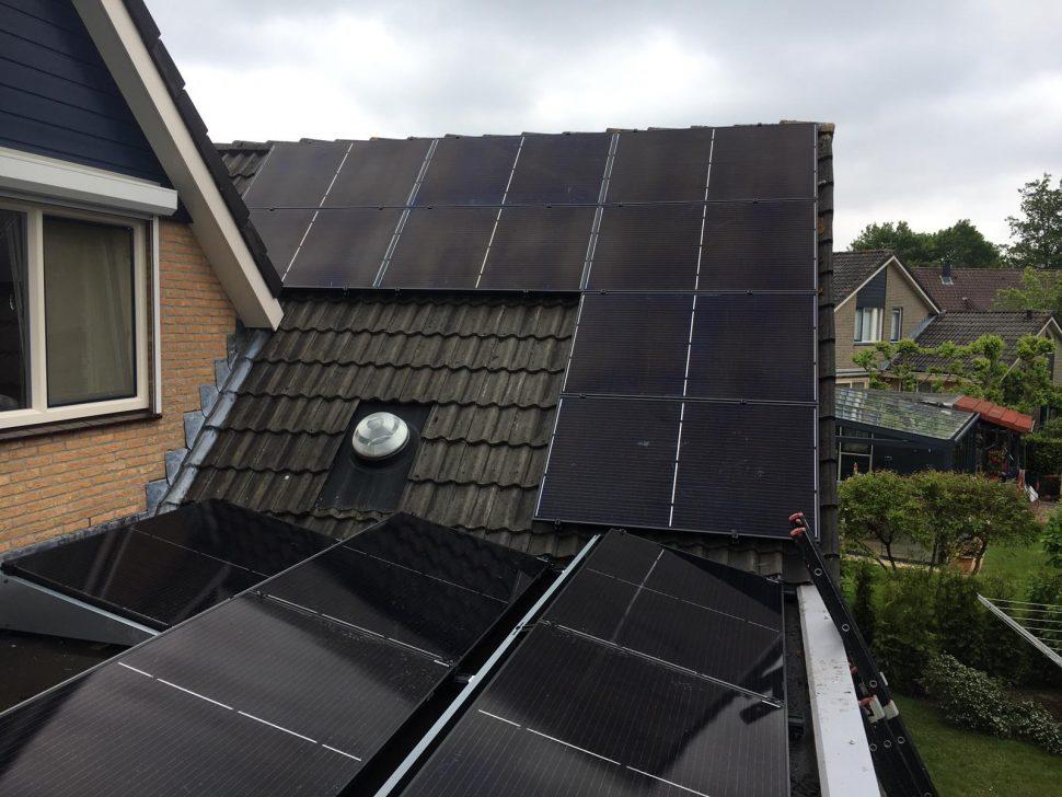 Zonnepanelen op woning in Wierden